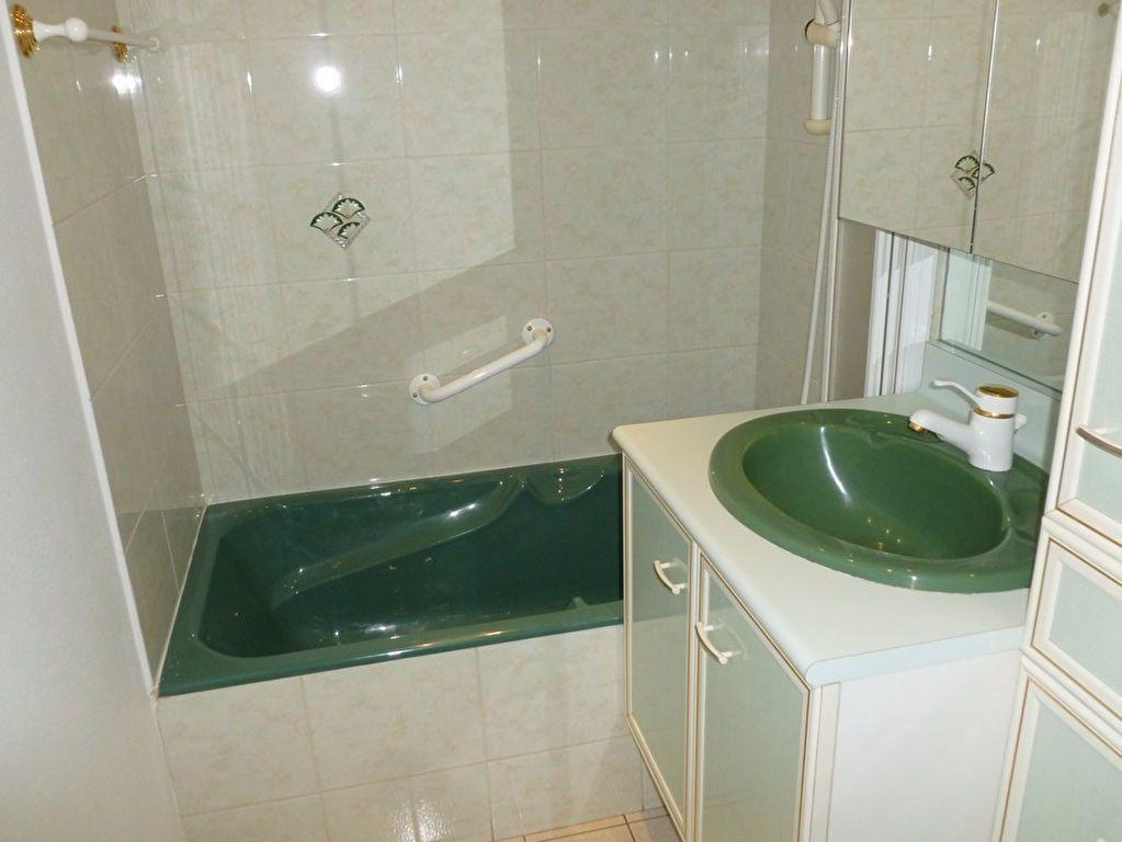 Appartement à louer 3 59.93m2 à Saint-Étienne vignette-6