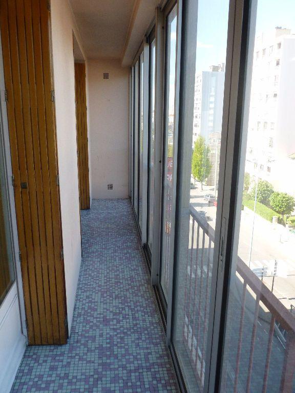Appartement à louer 3 59.93m2 à Saint-Étienne vignette-7
