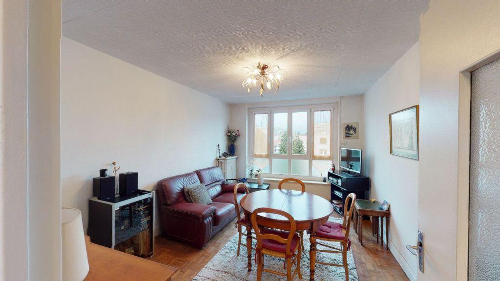 Appartement à vendre 3 56.7m2 à Saint-Étienne vignette-1