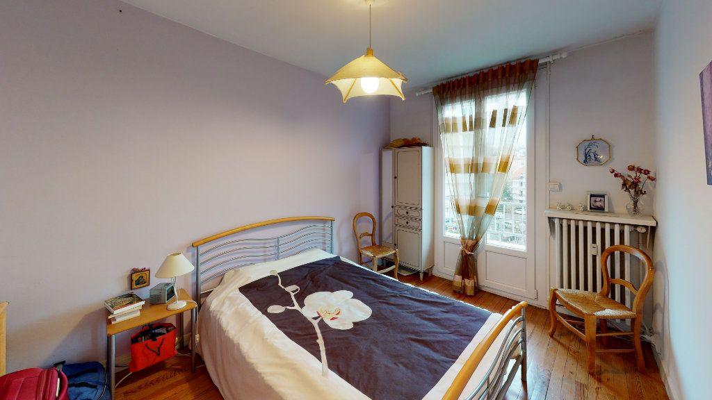 Appartement à vendre 3 56.7m2 à Saint-Étienne vignette-3