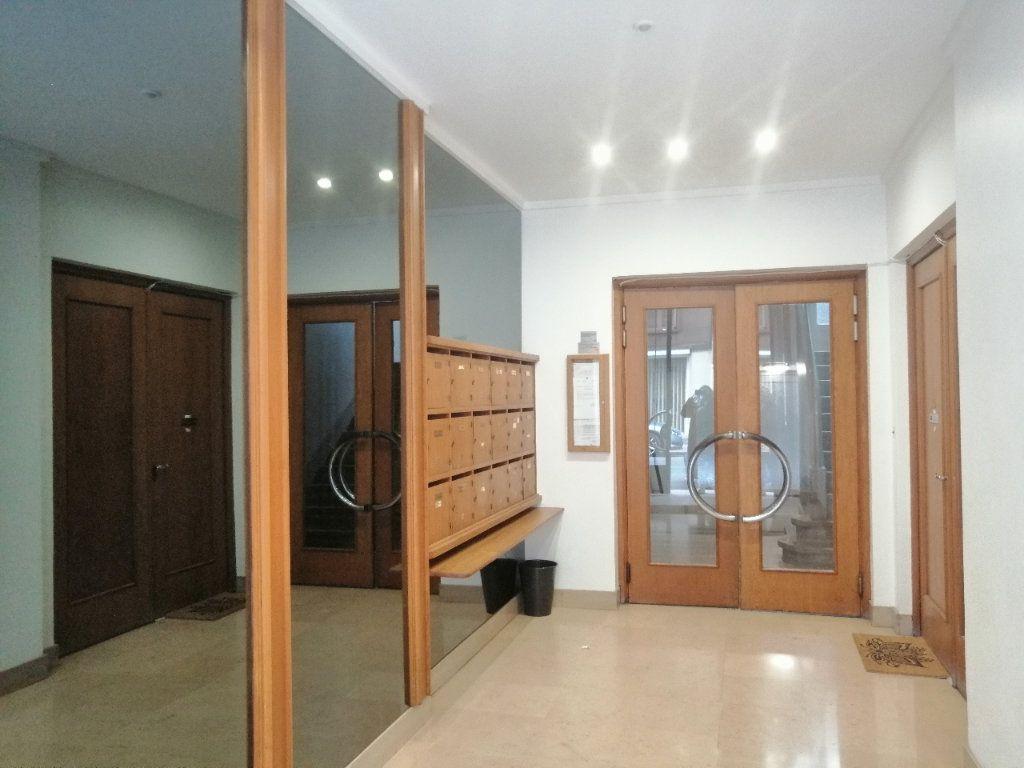 Appartement à louer 2 52.9m2 à Saint-Étienne vignette-4