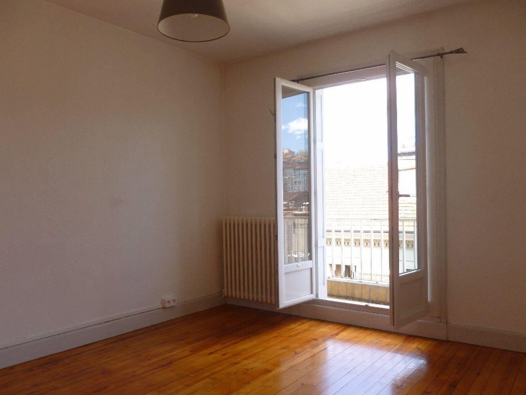 Appartement à louer 2 52.9m2 à Saint-Étienne vignette-6