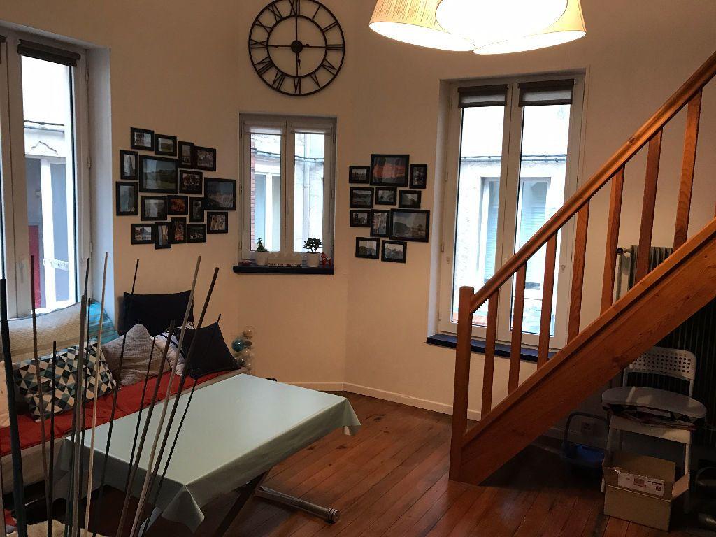 Appartement à louer 2 63.73m2 à Saint-Étienne vignette-1