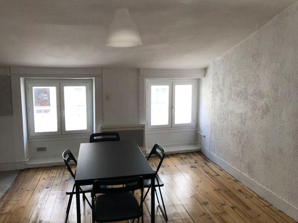Appartement à louer 2 42.19m2 à Saint-Étienne vignette-2