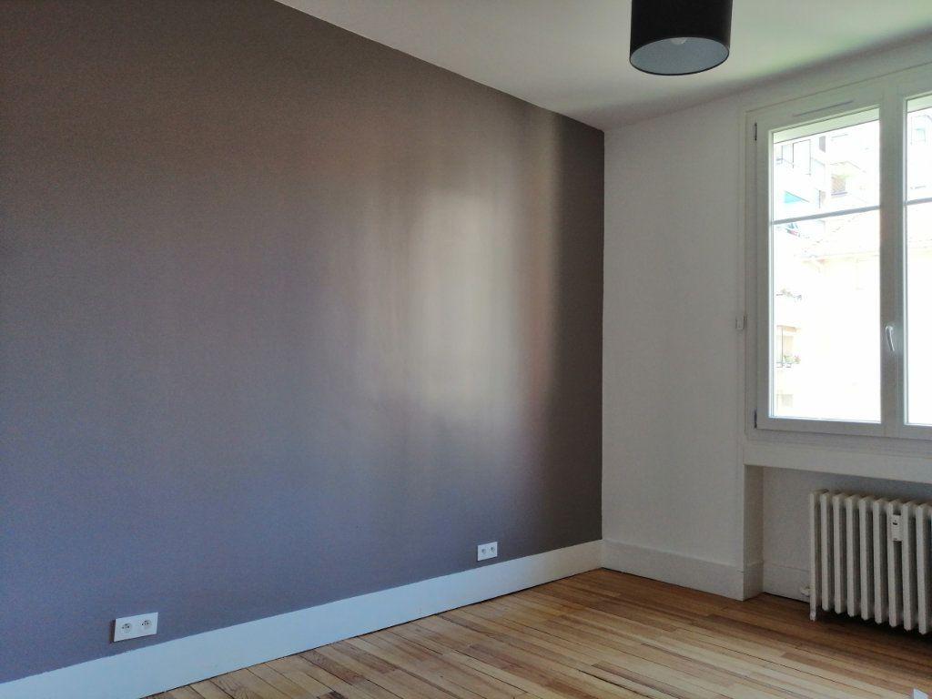 Appartement à louer 2 60.73m2 à Saint-Étienne vignette-5