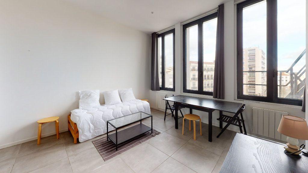Appartement à louer 1 25.75m2 à Saint-Étienne vignette-1