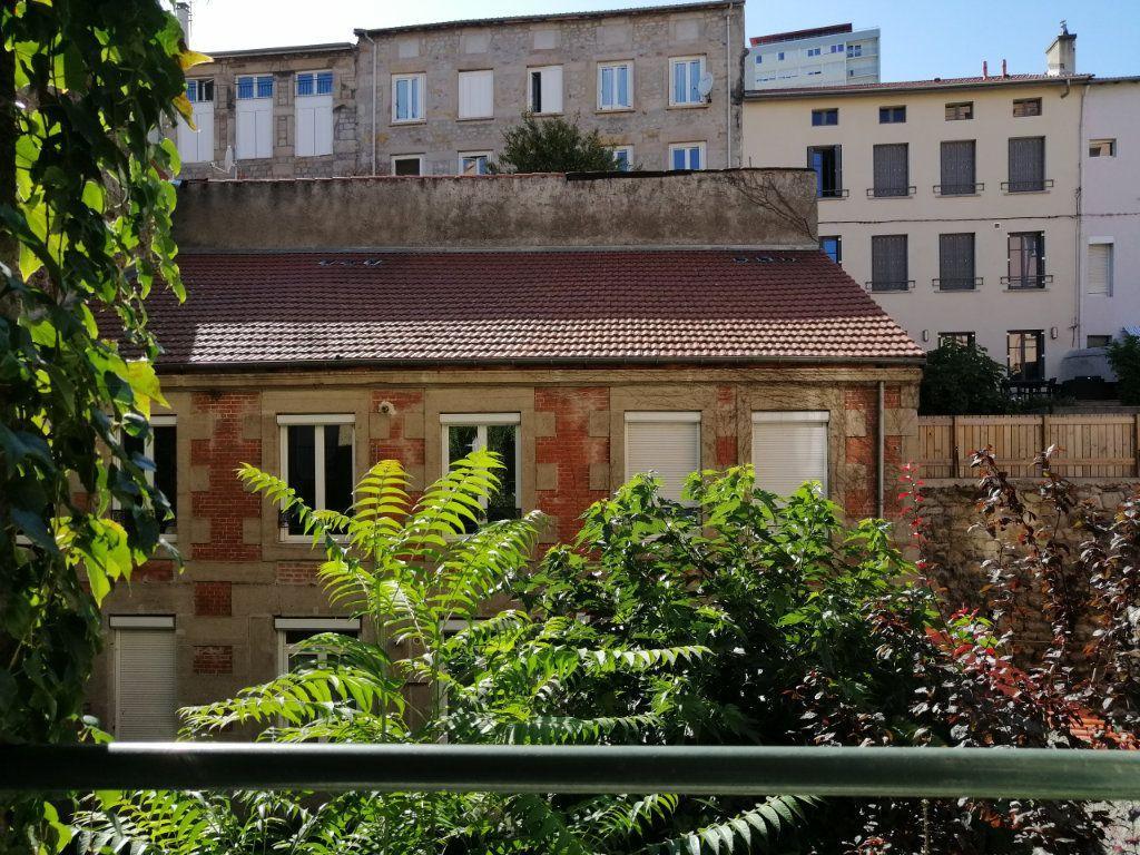 Appartement à louer 2 67m2 à Saint-Étienne vignette-1