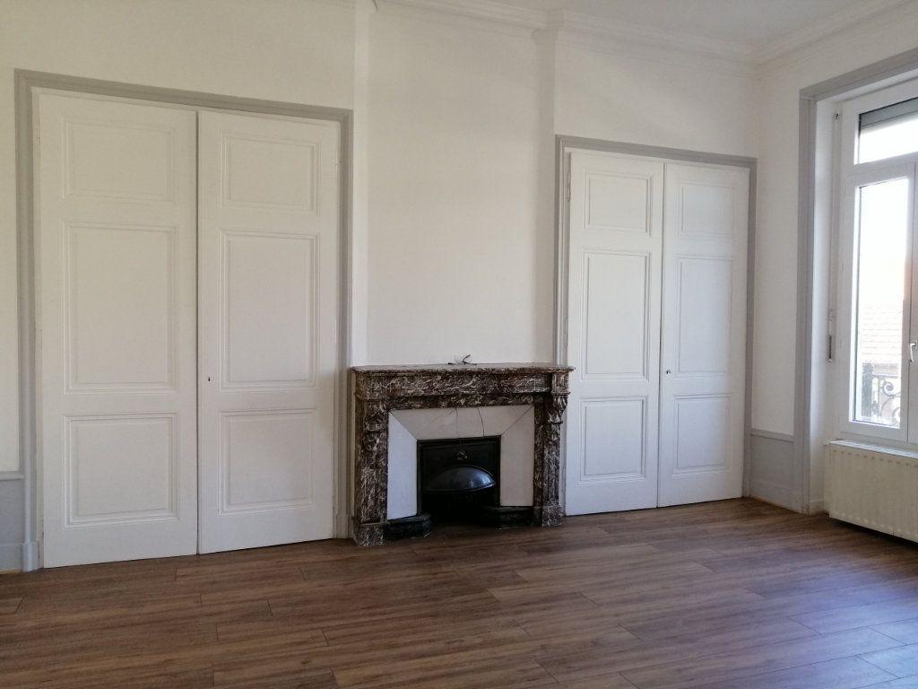 Appartement à louer 2 67m2 à Saint-Étienne vignette-3
