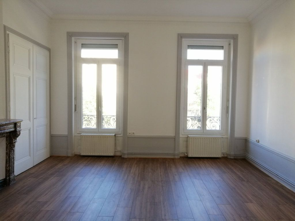 Appartement à louer 2 67m2 à Saint-Étienne vignette-4