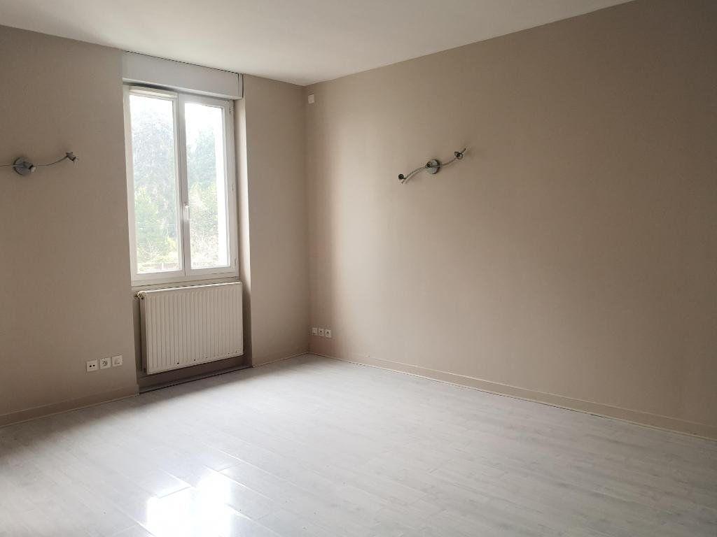Appartement à louer 3 66.31m2 à Saint-Étienne vignette-3