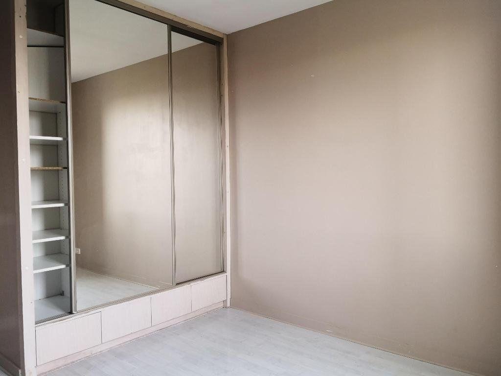 Appartement à louer 3 66.31m2 à Saint-Étienne vignette-5