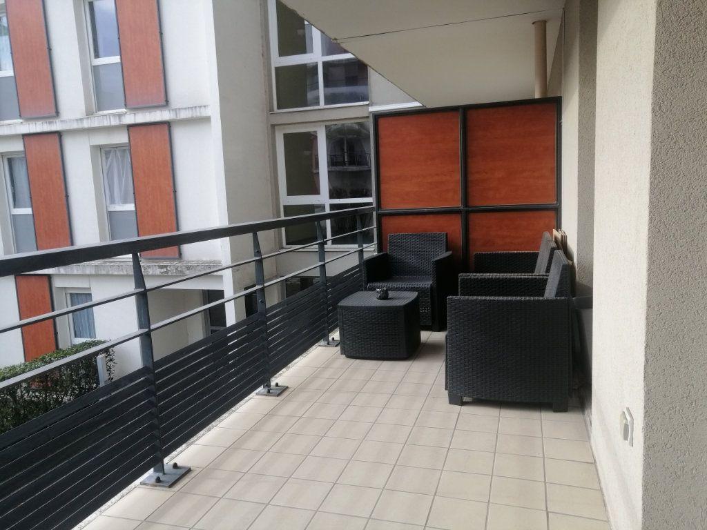 Appartement à louer 2 38.15m2 à Saint-Étienne vignette-1