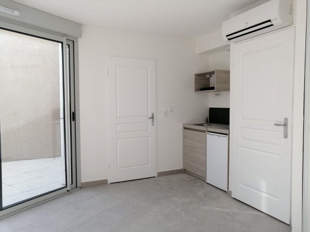 Appartement à louer 1 21m2 à Saint-Étienne vignette-1