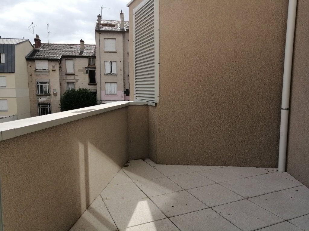 Appartement à louer 1 21m2 à Saint-Étienne vignette-2