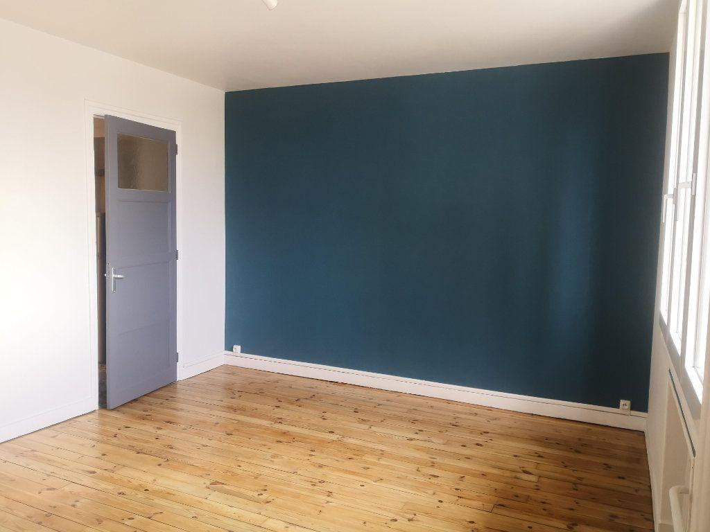 Appartement à louer 2 56.76m2 à Saint-Étienne vignette-2
