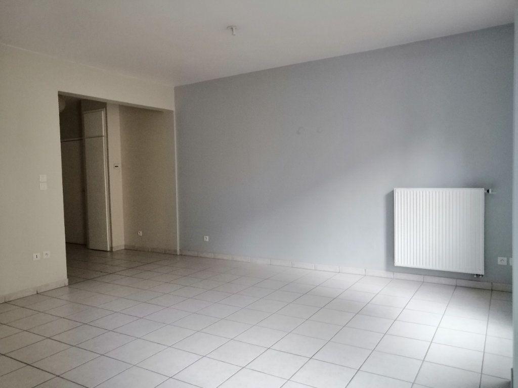 Appartement à louer 3 62.65m2 à Saint-Étienne vignette-3