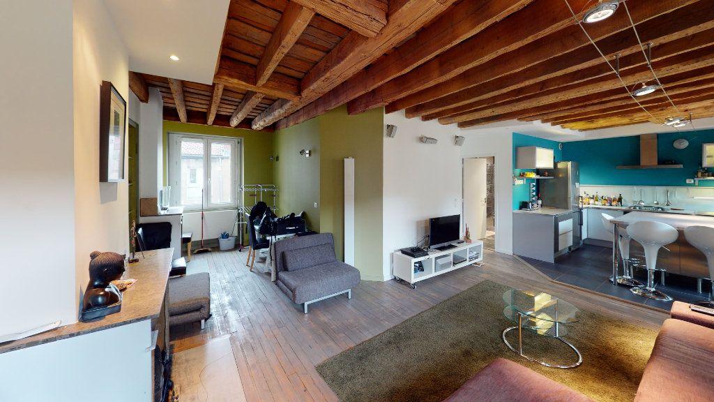 Appartement à vendre 3 67.72m2 à Saint-Étienne vignette-3