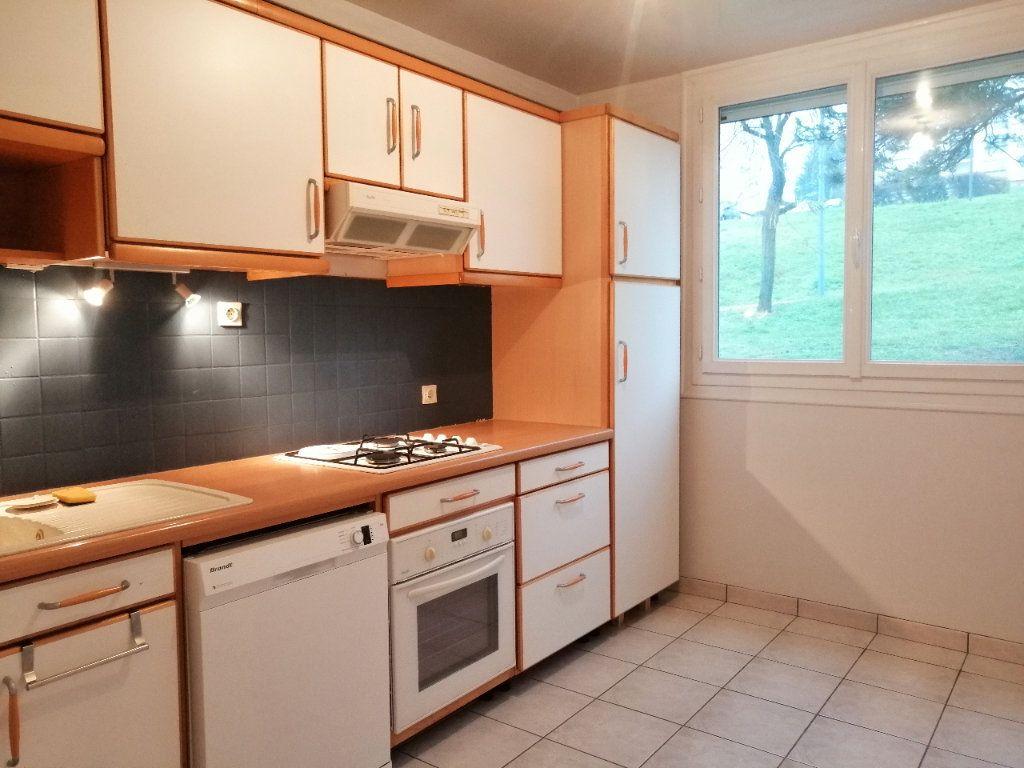 Appartement à louer 5 93m2 à Villars vignette-2