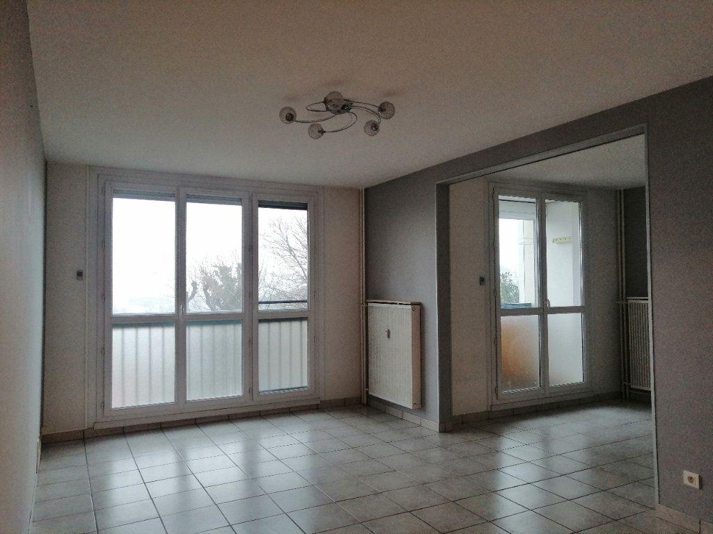 Appartement à louer 5 93m2 à Villars vignette-4