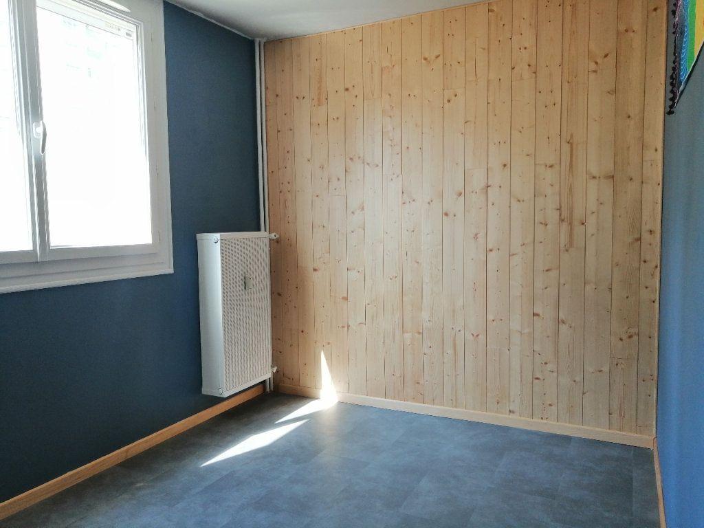Appartement à louer 5 93m2 à Villars vignette-7