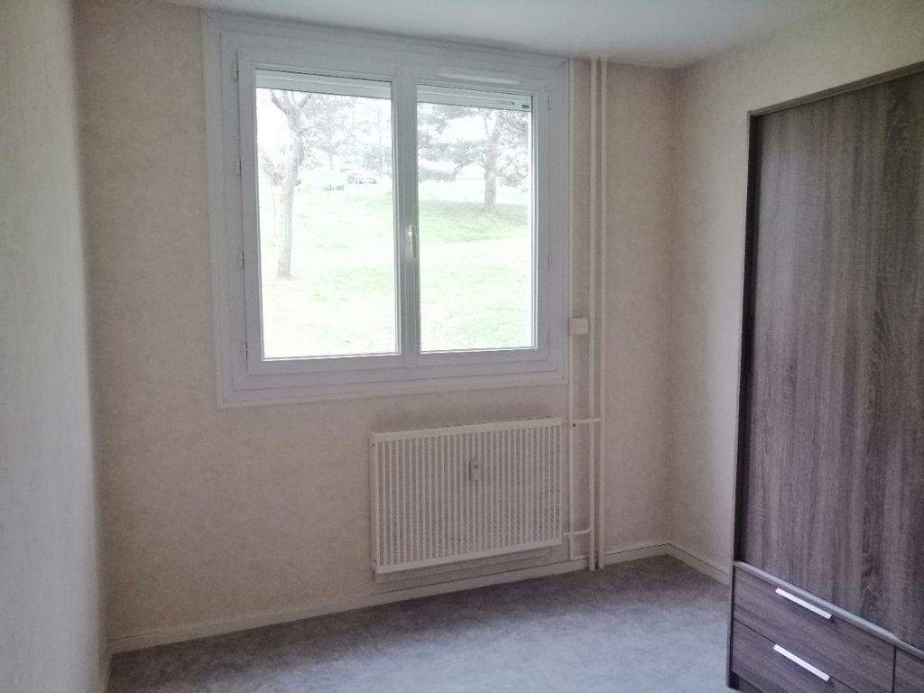Appartement à louer 5 93m2 à Villars vignette-8