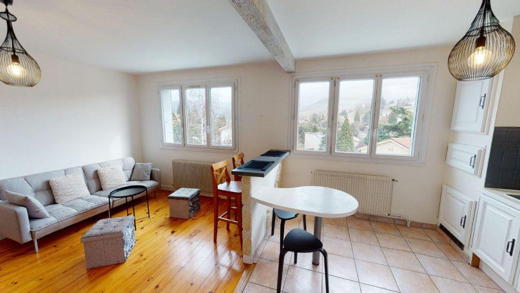 Appartement à louer 3 53.6m2 à Saint-Étienne vignette-1