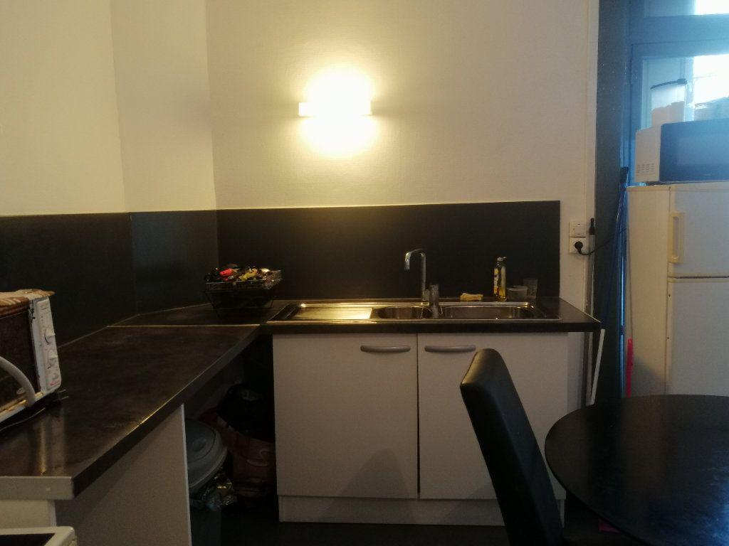 Appartement à louer 3 46m2 à Saint-Étienne vignette-2
