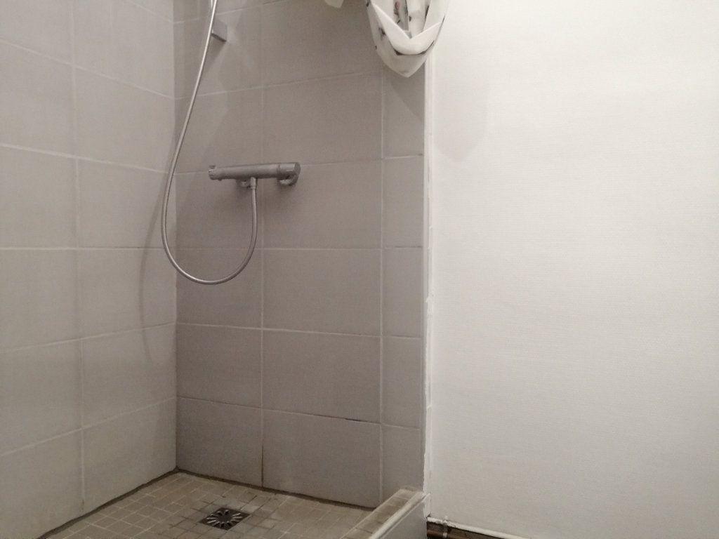 Appartement à louer 3 46m2 à Saint-Étienne vignette-4