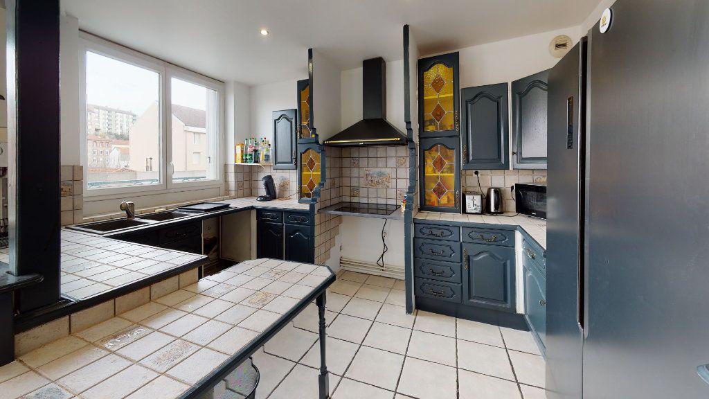 Appartement à louer 6 120m2 à Saint-Étienne vignette-4