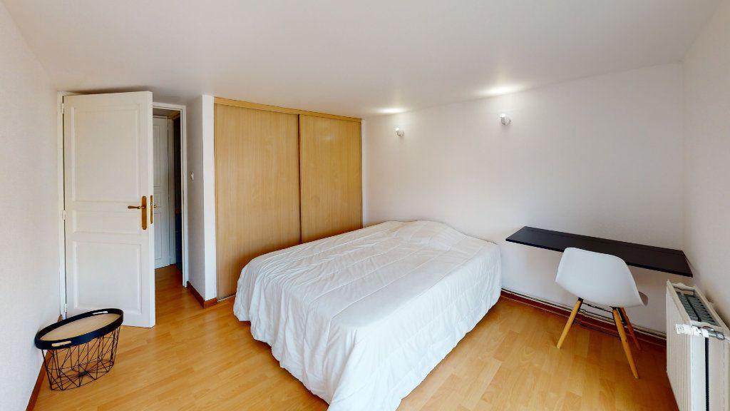 Appartement à louer 6 120m2 à Saint-Étienne vignette-6