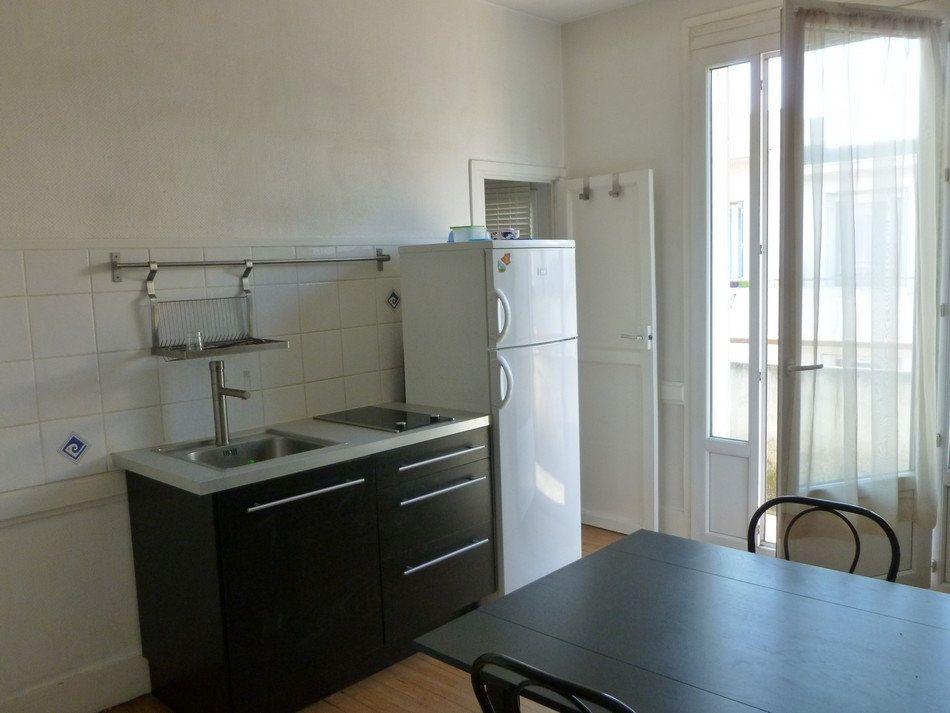 Appartement à louer 2 33m2 à Saint-Étienne vignette-2