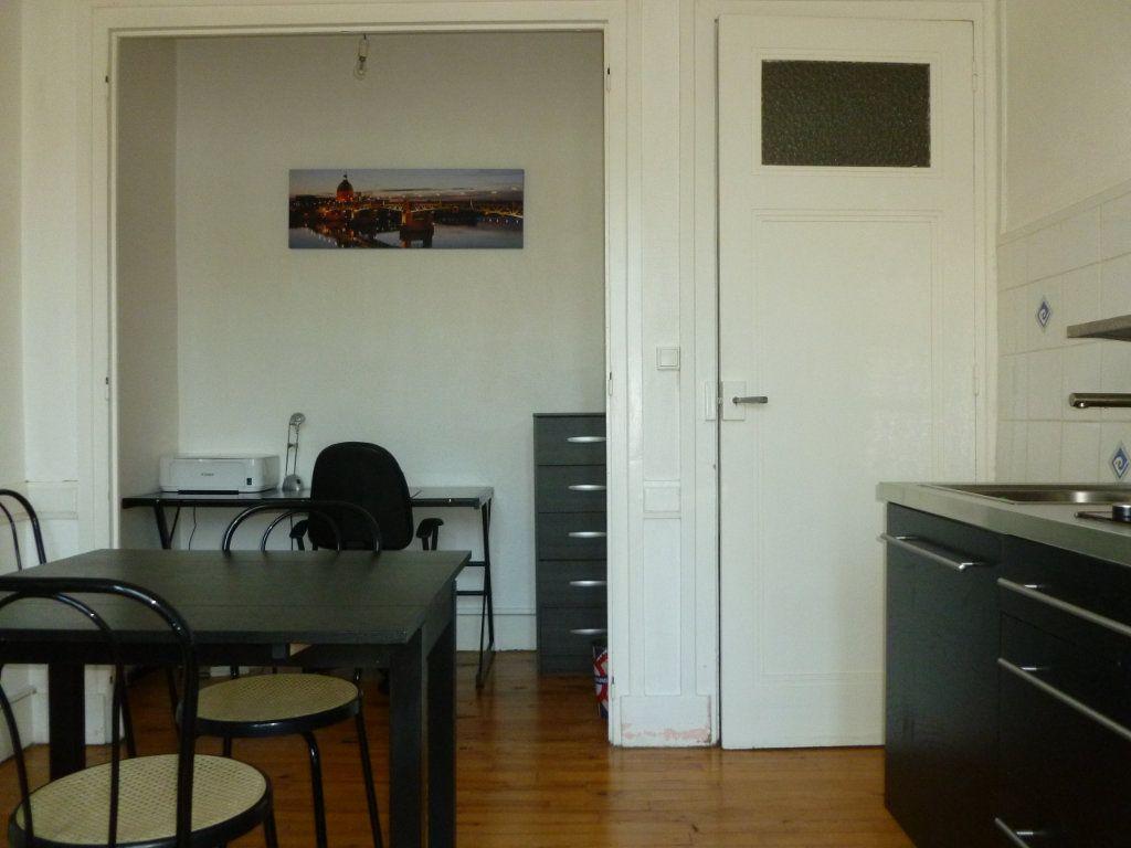 Appartement à louer 2 33m2 à Saint-Étienne vignette-3