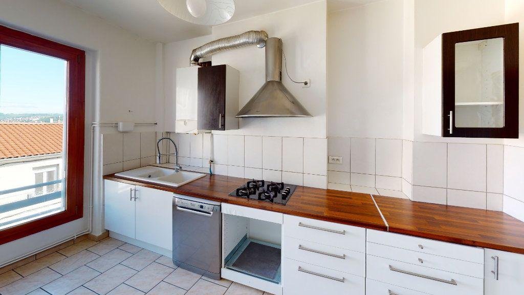 Appartement à vendre 3 91.22m2 à Saint-Étienne vignette-1