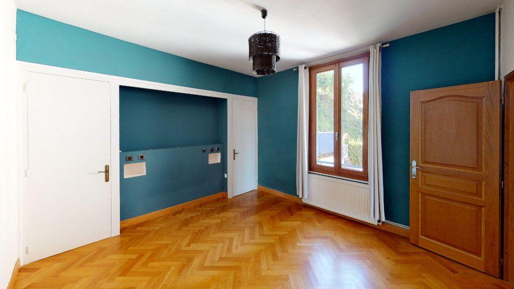 Appartement à vendre 3 91.22m2 à Saint-Étienne vignette-2