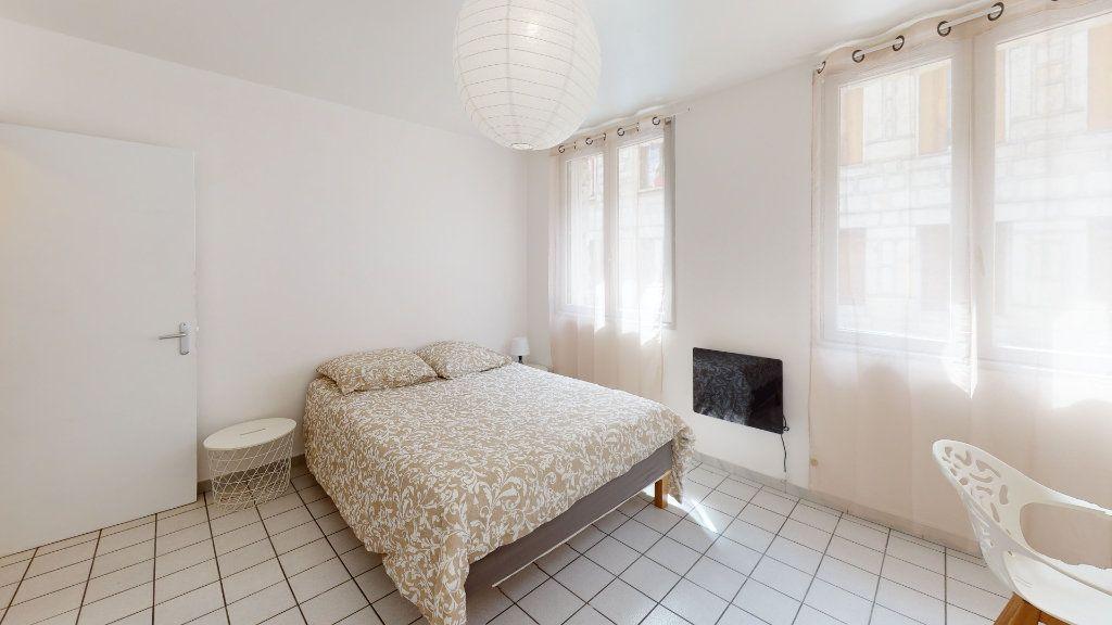 Appartement à louer 4 79.02m2 à Saint-Étienne vignette-1