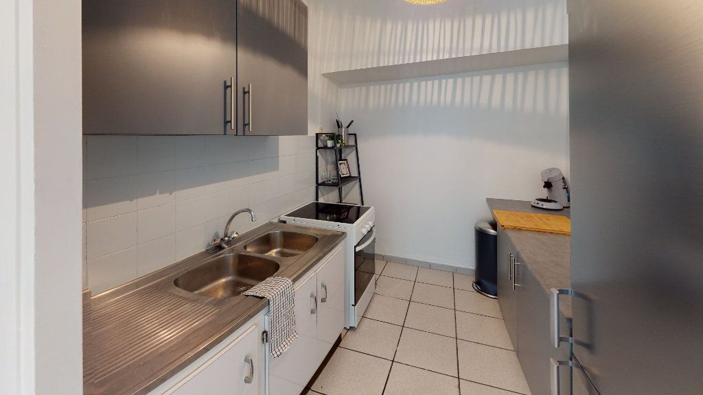 Appartement à louer 4 79.02m2 à Saint-Étienne vignette-5