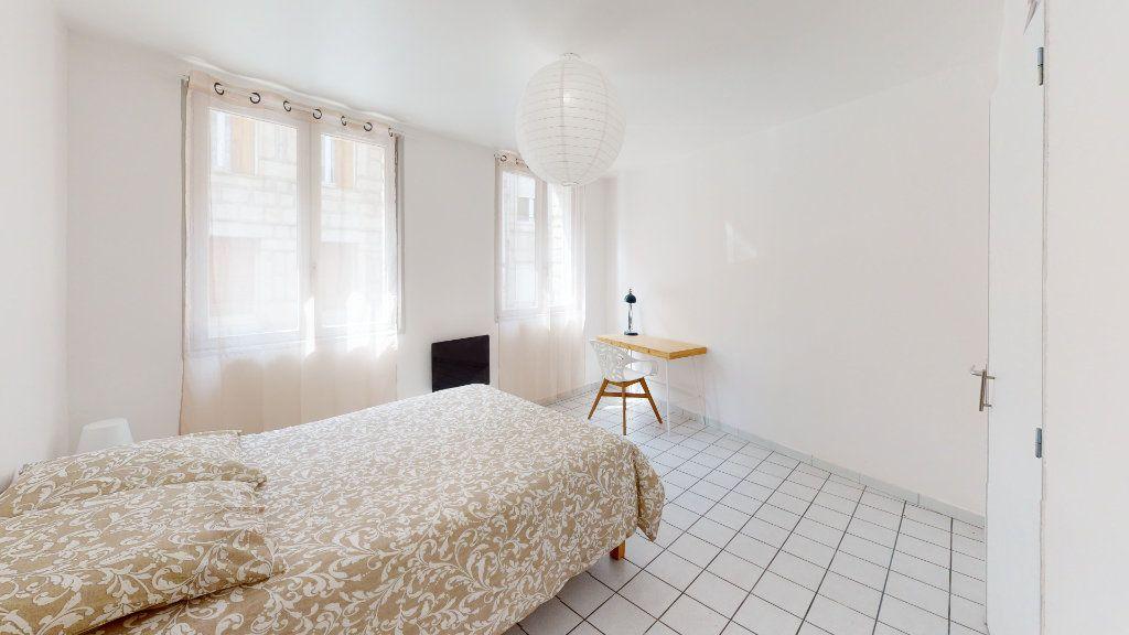 Appartement à louer 4 79.02m2 à Saint-Étienne vignette-6