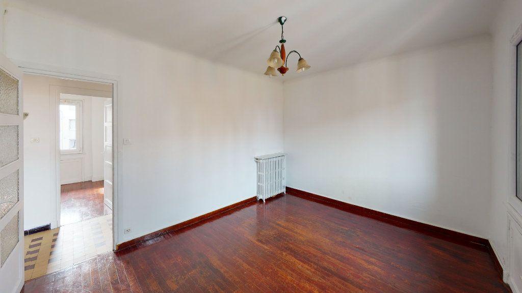 Appartement à louer 3 54.17m2 à Saint-Étienne vignette-1