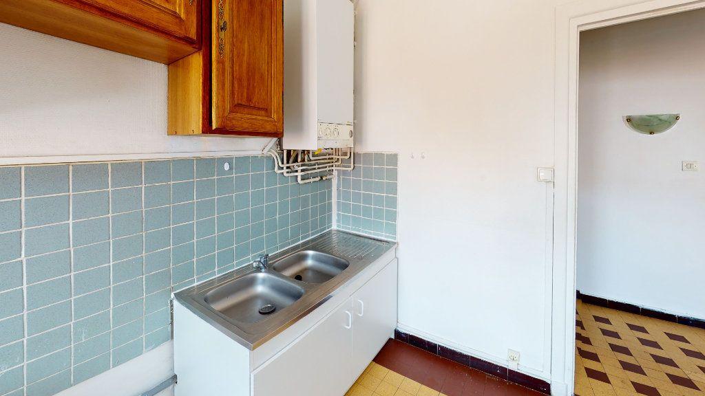 Appartement à louer 3 54.17m2 à Saint-Étienne vignette-2