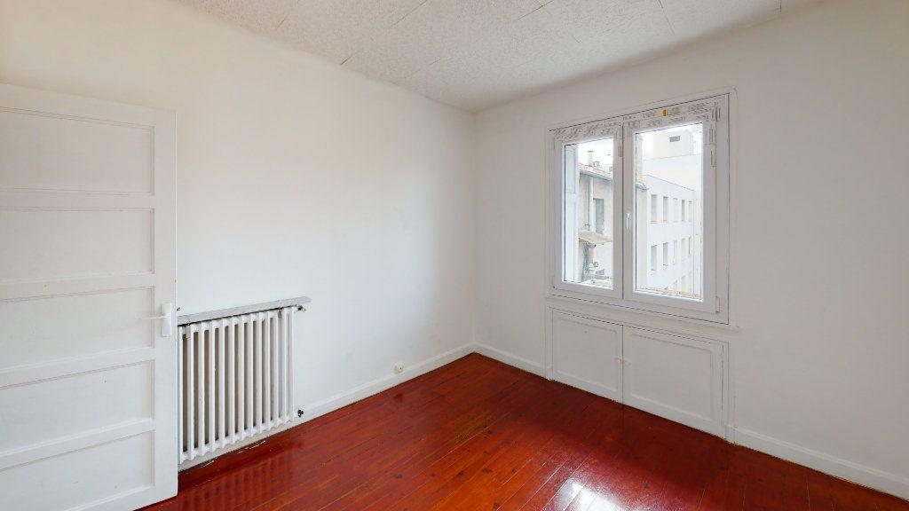 Appartement à louer 3 54.17m2 à Saint-Étienne vignette-3