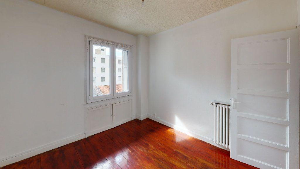 Appartement à louer 3 54.17m2 à Saint-Étienne vignette-4