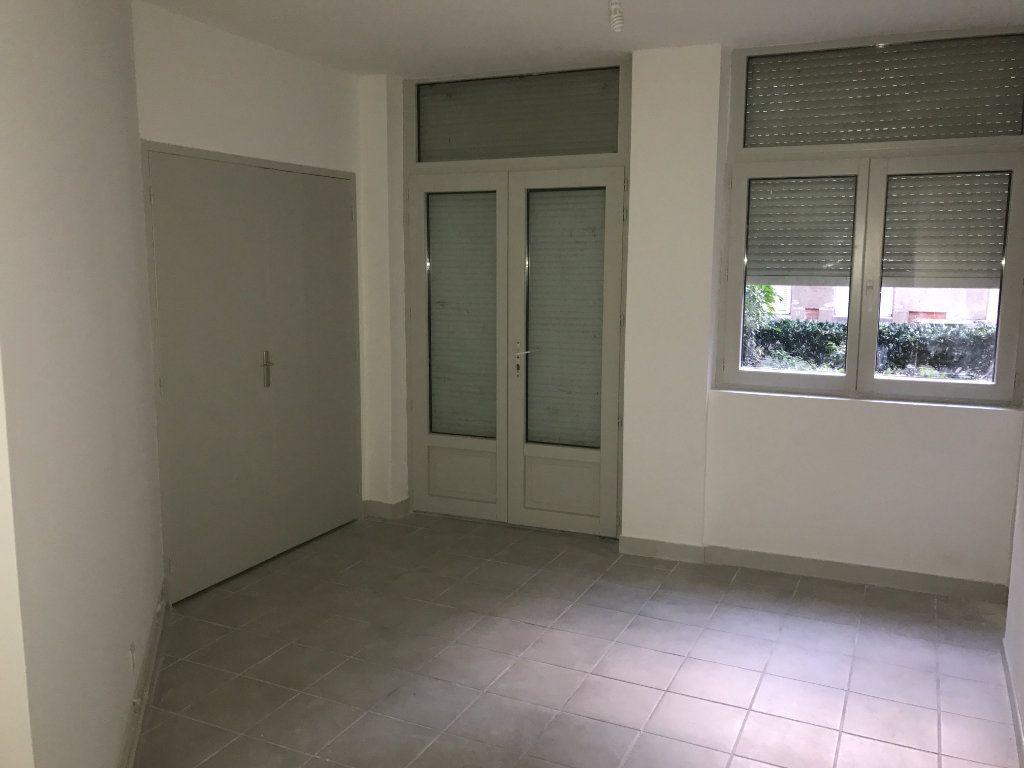 Appartement à louer 2 62.82m2 à Saint-Étienne vignette-4
