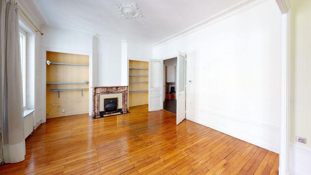 Appartement à louer 4 97.98m2 à Saint-Étienne vignette-1