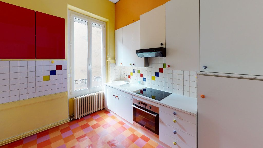 Appartement à louer 4 97.98m2 à Saint-Étienne vignette-2