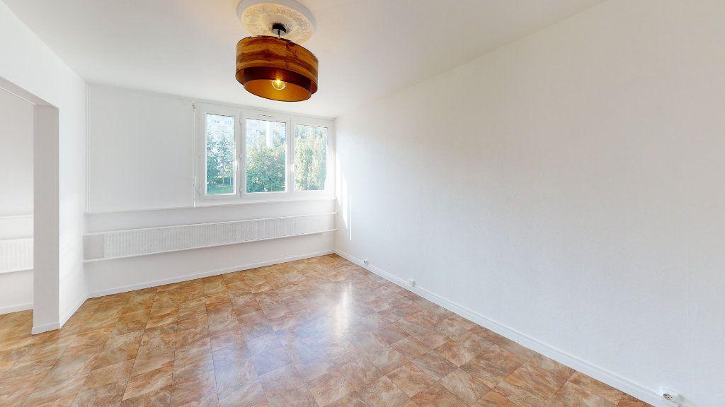 Appartement à louer 4 71.83m2 à Saint-Étienne vignette-1