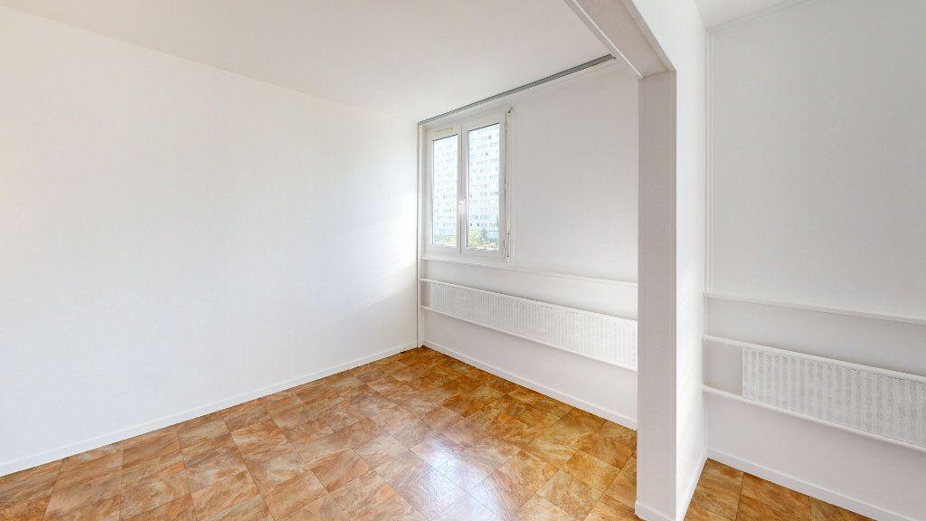 Appartement à louer 4 71.83m2 à Saint-Étienne vignette-3