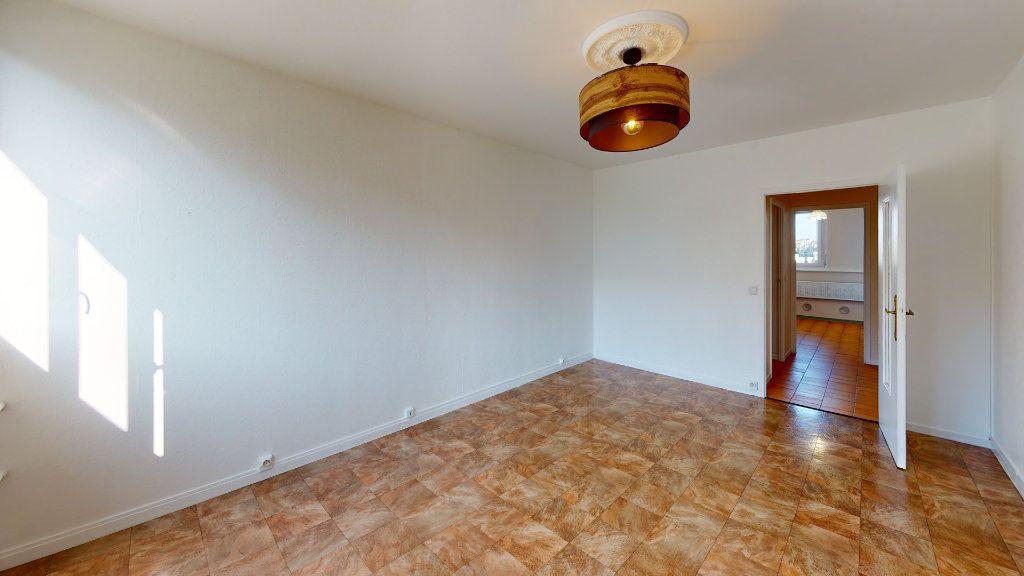 Appartement à louer 4 71.83m2 à Saint-Étienne vignette-4