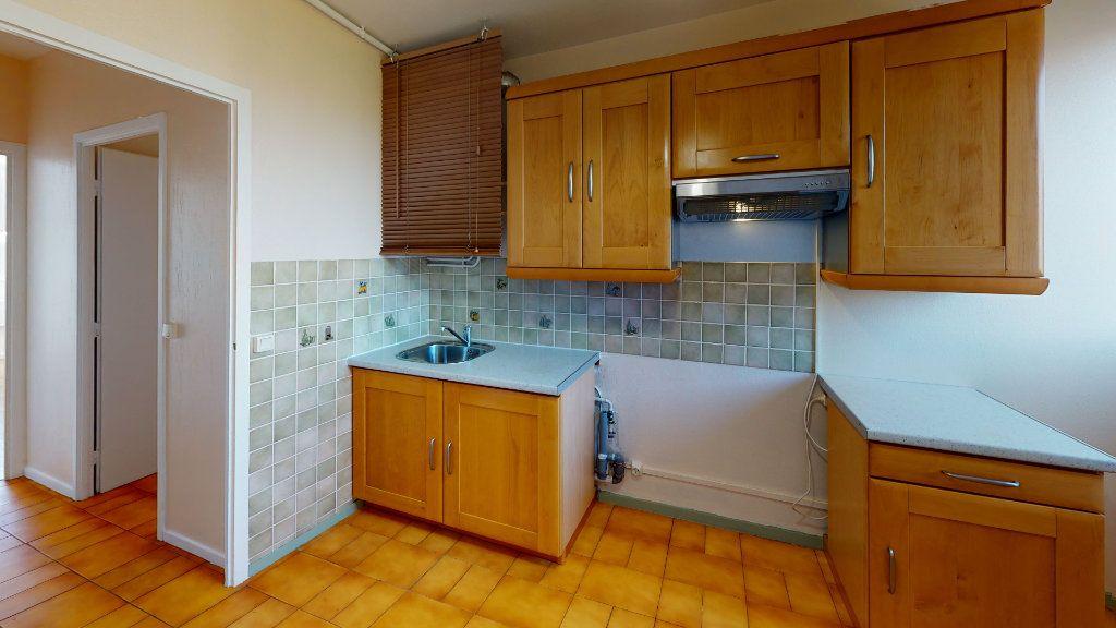 Appartement à louer 4 71.83m2 à Saint-Étienne vignette-5