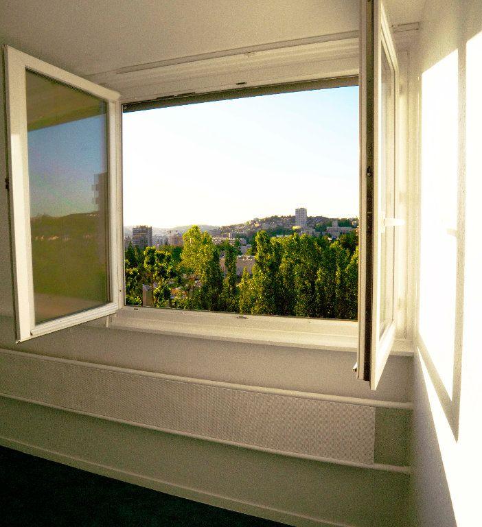 Appartement à louer 4 71.83m2 à Saint-Étienne vignette-6