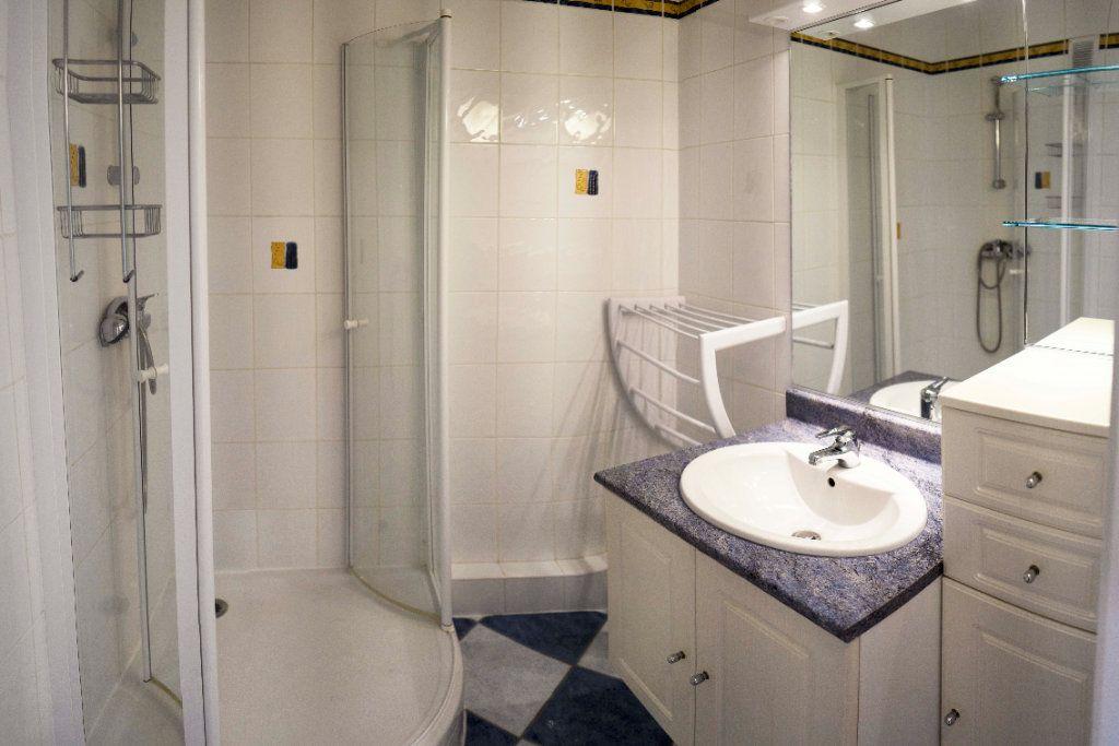 Appartement à louer 4 71.83m2 à Saint-Étienne vignette-7
